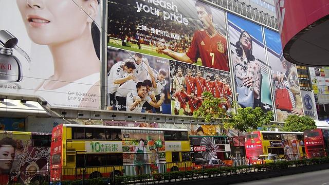 shopping at hong kong